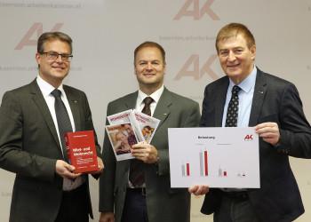 v.l.: Mag. Stephan Achernig, Mag. Michael Tschamer, AK-Präsident Günther Goach © Eggenberger, AK