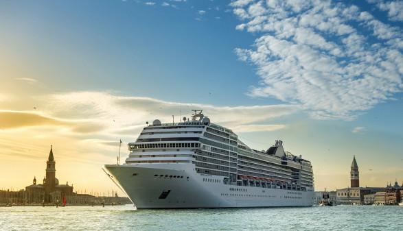 Kreuzfahrtschiff © djama, stock.adobe.com