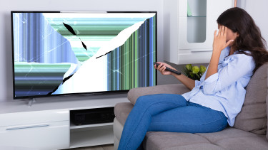 Kaputter Fernseher © Andrey Popov, stock.adobe.com