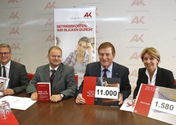 v.l.: Mag. Stephan Achernig, Mag. Michael Tschamer, AK-Präsident Günther Goach, LHStv. Dr. Gaby Schaunig © Eggenberger, AK