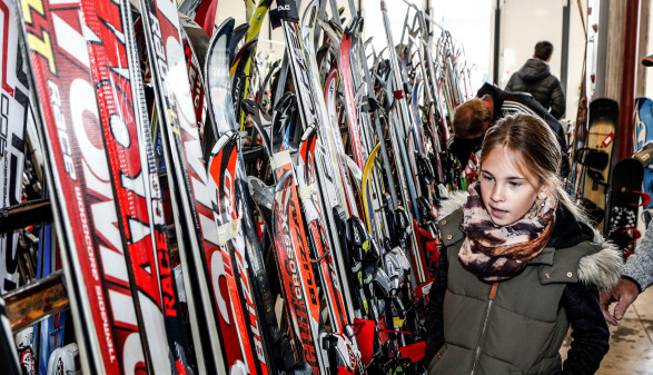 Wintersportbörse - Ski © Oskar Höher, AK