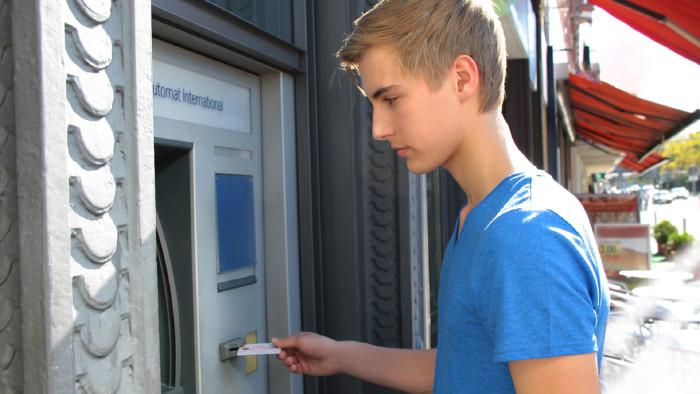 Bankomatkarte © wildworx, Fotolia