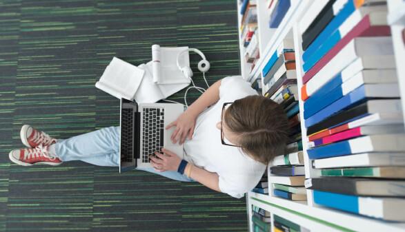 Bücher suchen ©  .shock, stock.adobe.com