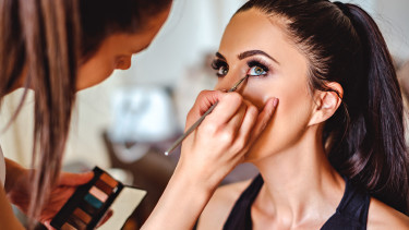 Kosmetikerin © sasamihajlovic, stock.adobe.com