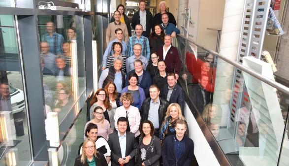 Teilnehmer des FH-Lehrganges, AK-Präsident Günther Goach, Isabella Penz (Leiterin der Bildungsabteilung AK © Sussitz, AK